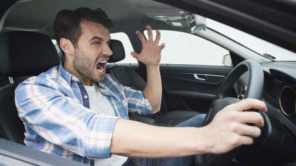 conductor enfadado 2