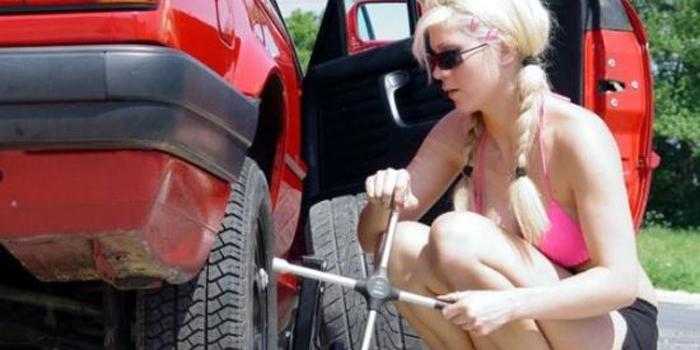 Photo of Que hacer en el caso de un pinchazo en carretera?