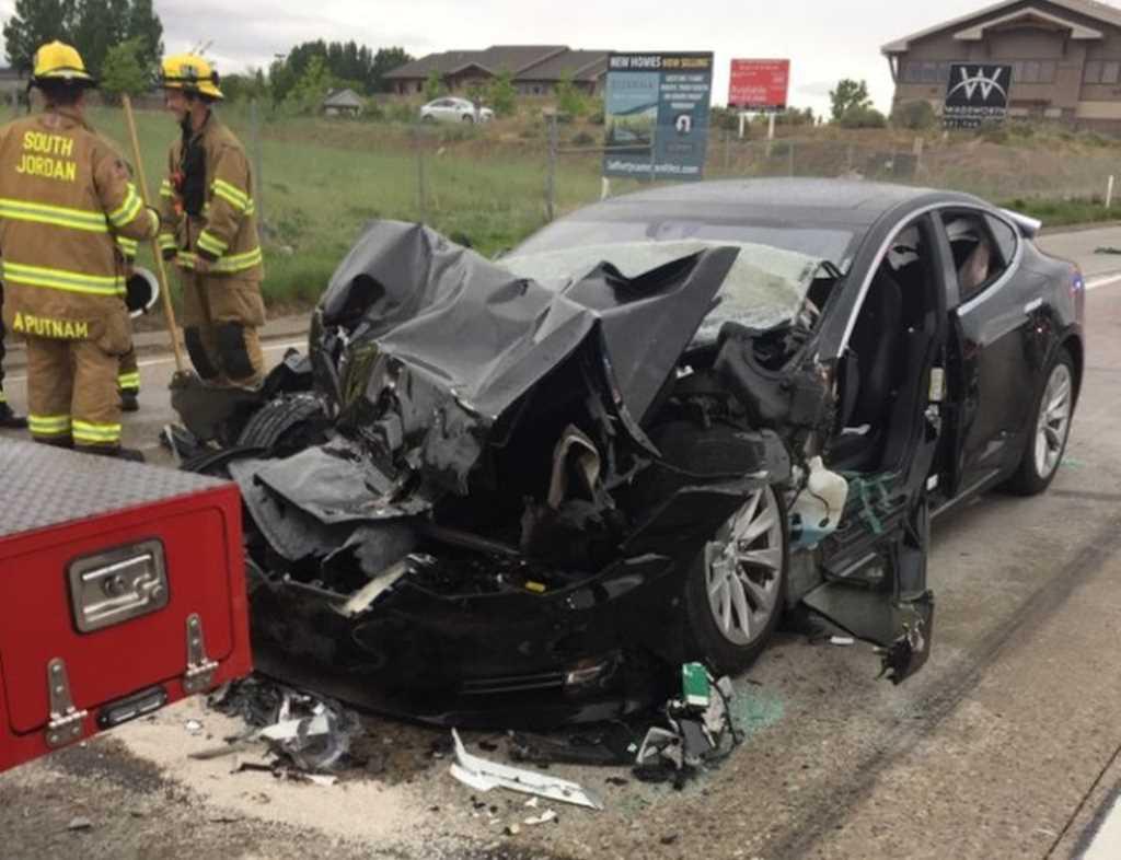 Photo of Conductor de Utah demanda a Tesla después de estrellarse en el modo de piloto automático