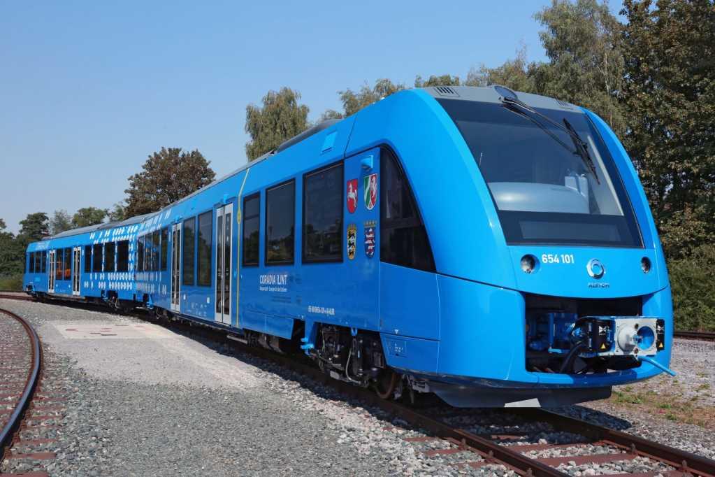 Photo of La primera locomotora de hidrógeno llega a las vías en Alemania