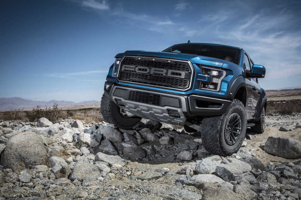 Photo of 2019 El nuevo Trail Control de Ford F-150 Raptor es ideal para subir por rocas