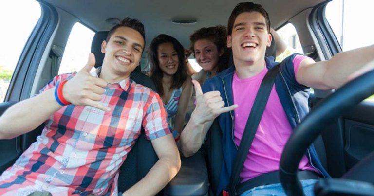 Preparando a su hijo adolescente para conducir: Guíe con el ejemplo