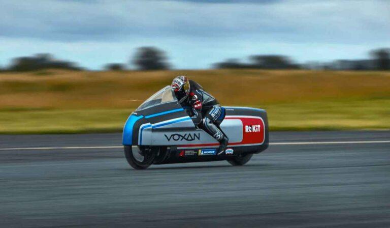 Voxan Wattman, la moto eléctrica refrigerada por hielo que quiere batir el récord mundial de velocidad