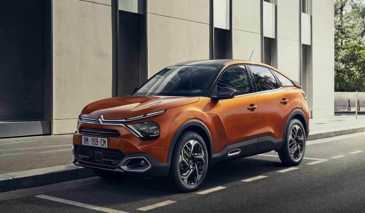 Citroën Ë-C4 : aquí están las primeras fotos oficiales del nuevo sedán eléctrico