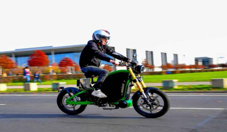 eRockit, la motocicleta de pedal eléctrico que va a 90 km/h