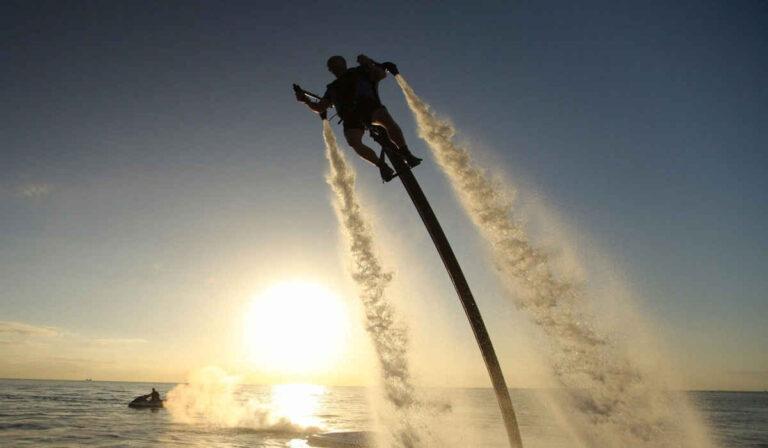 Jetlev-Flyer: El Jet Pack impulsado por Agua