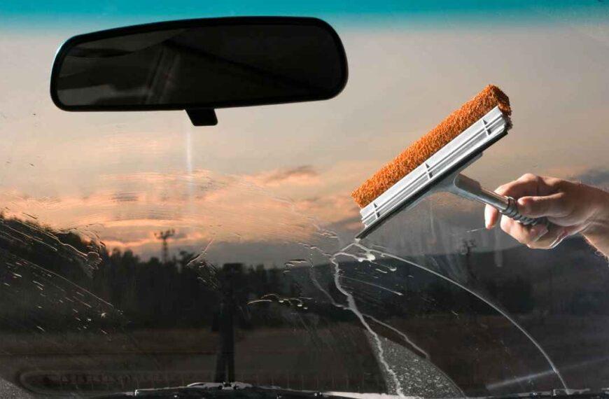 Cómo limpiar los cristales del coche sin dejar rayas